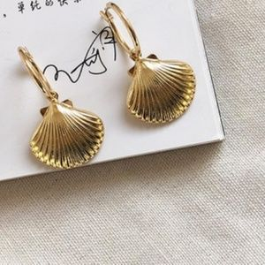 14K Gold Plated Sea Shell Drop Hoop Earrings